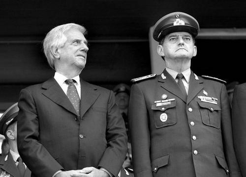 Se militar abrir a boca, é preso no Uruguai